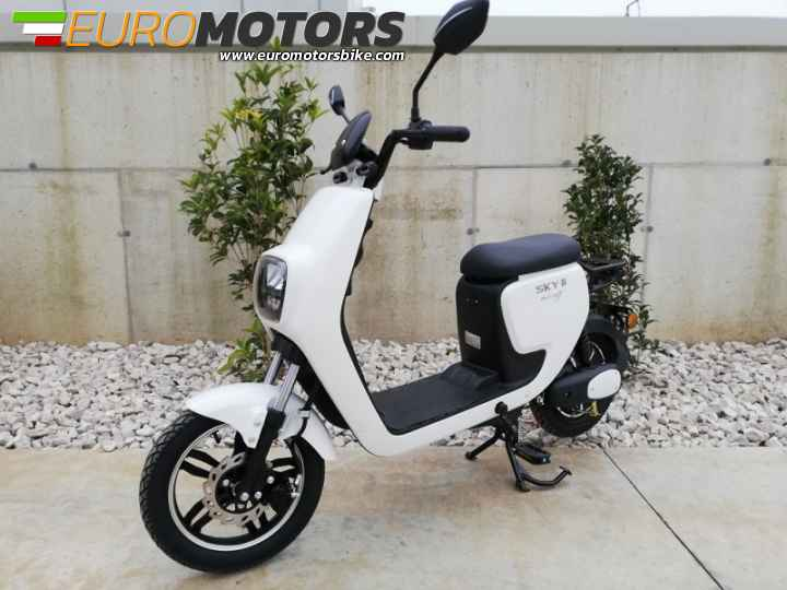MEZZI ELETTRICI SCOOTER-QUAD-MINI CROSS- SEGWAY